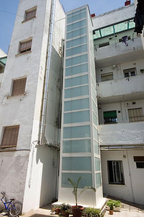 Ascensores exteriores madrid ventajas for Oficina de vivienda comunidad de madrid