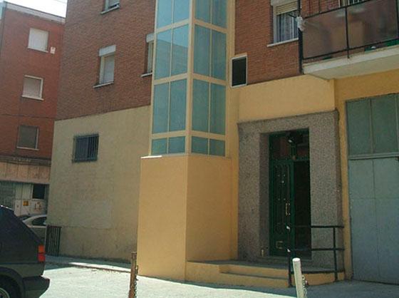 instalación de un ascensor en un edificio