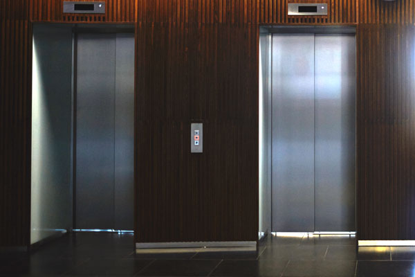instalar un ascensor