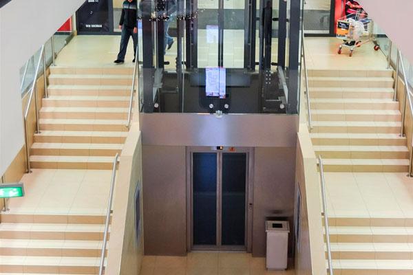 peso máximo de un ascensor